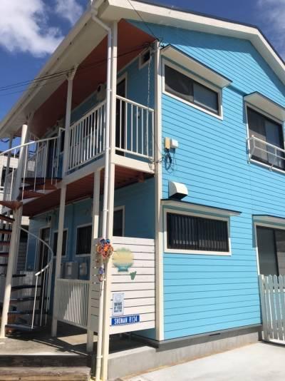 海のそばのイメージです! 青い建物が目印!