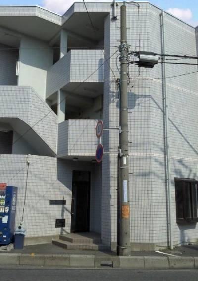 鉄筋3階て2Fワンルーム