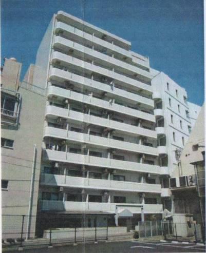 事業用エントランスは北側の栄町通り、居住用エントランスは南側