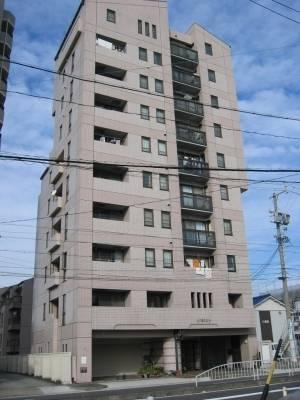 山八第三ビルです