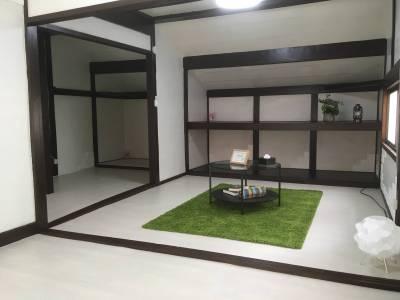 白を基調にした室内にリフォーム!9帖の洋室としても使えます。