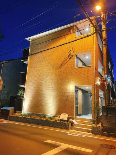 タイル調の防音性ならびに耐火性の高い外壁材仕様