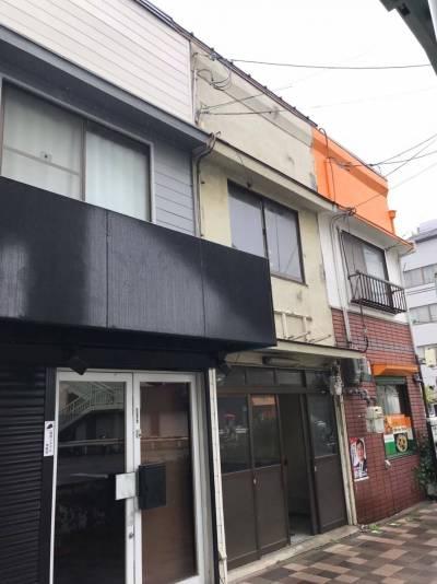 新開地と兵庫駅の間にある便利なガレージハウス。店舗事務所も適