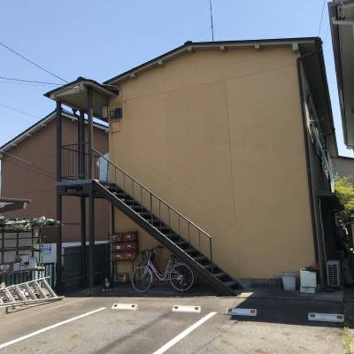 京第一ハウス外観&駐車場1台