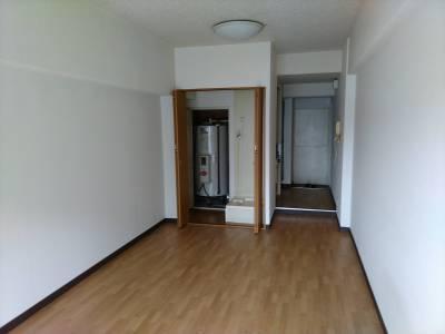 角部屋 南向きバルコニー節電電気温水器、室内洗濯置き