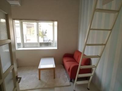 白を基調とした綺麗な部屋です