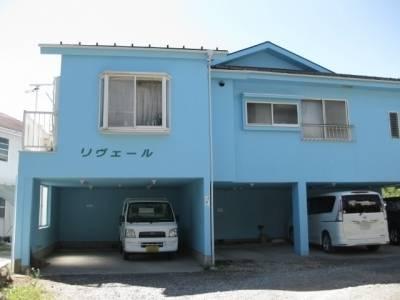 一階の一部は屋根付き駐車場